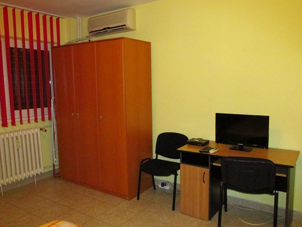 Vand Apartament 1 camere  Dristor ,  Bucuresti  - 220 EURO;