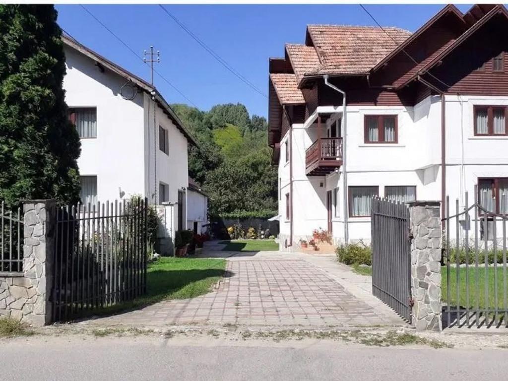 Vand Casa/vila  Bran ,  Bran  - 240000 EURO;