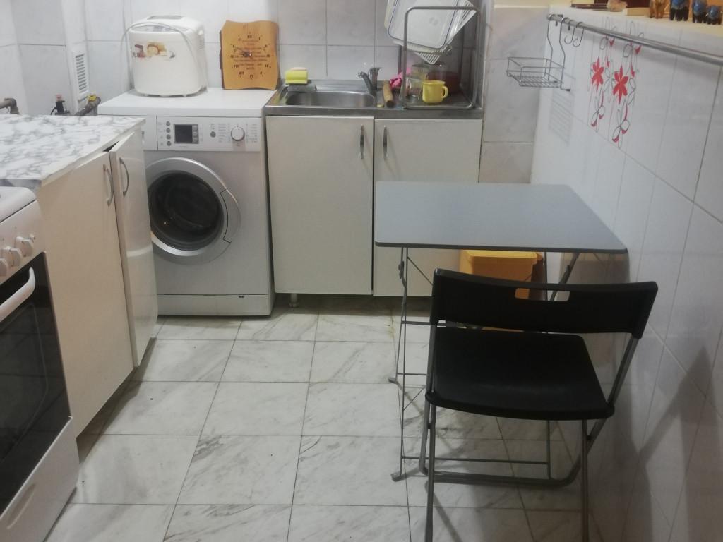 Vand Apartament 2 camere  Aparatorii Patriei ,  Bucuresti  - 42000 EURO;