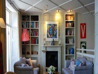 Vila premium -Joita, 4 camere, 2 bai, dressing, terasa, curte amenatata cu pergola