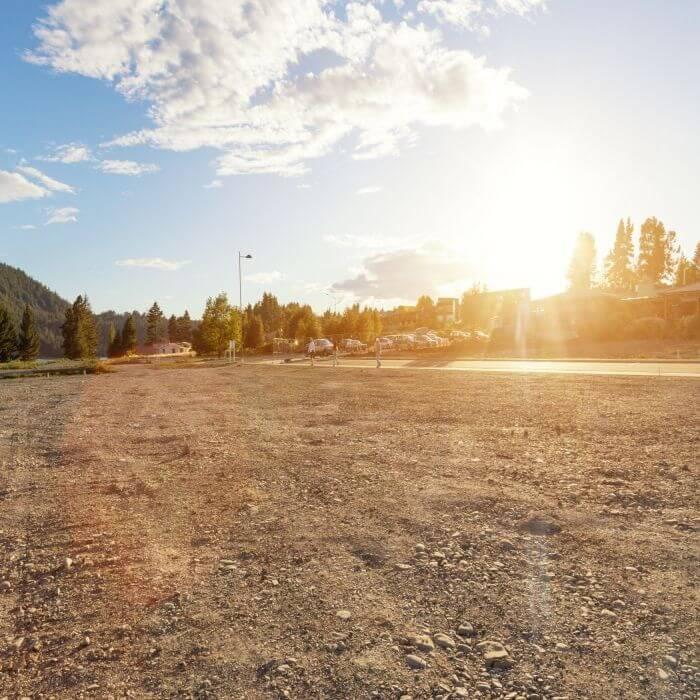 Teren intravilan 5.568 mp - deschidere la Lacul Grivita - Sisesti